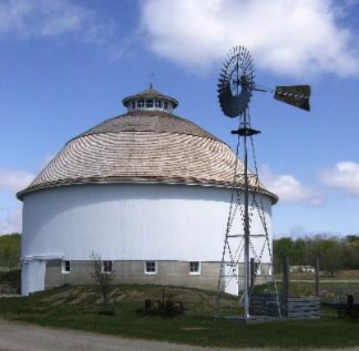 Leedy - Partridge - Paxton Round Barn