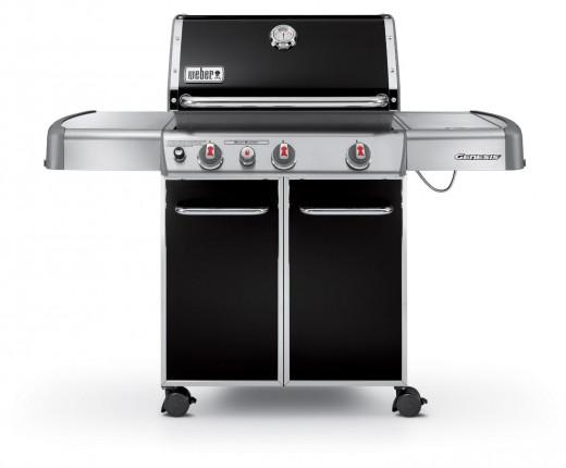 Weber Genesis E-330 637-Square-Inch Grill