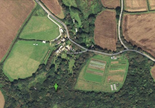 Alsia Holy Well, Alsia Mill. 6 miles from Newlyn, Cornwall.  Green arrow shows the location of the holy well.