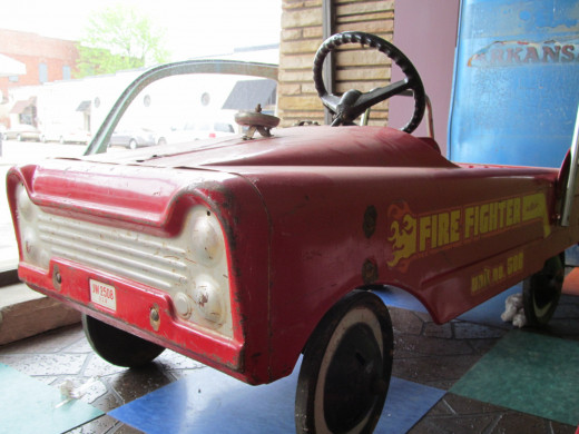 Fire Truck from a by-gone era - At Funky Junky