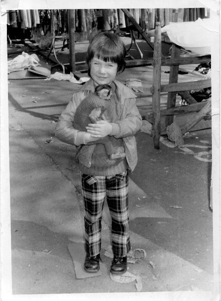 Chris Crader and Capuchin Monkey at the market..please note the funny little outfit...and the Monkey's one too
