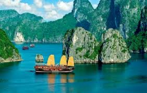 How the Ha Long Bay junks used to look