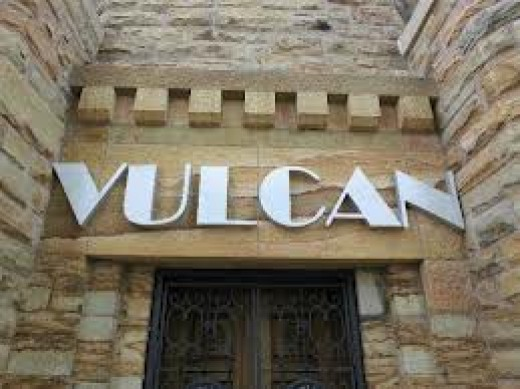 Vulcan Museum has an entrance at the bottom of the statue. Events and shows are held annually at Vulcan Park in Birmingham,Alabama.