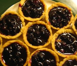 Recipe: Mini Blueberry Cinnamon Pies