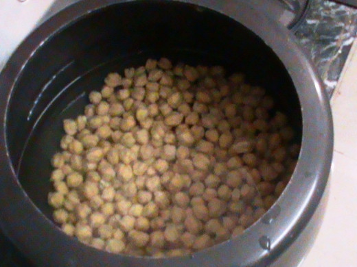 Boiling Chick Peas