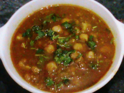 Chole Recipe (Chick Peas in gravy- step by step with pictures)