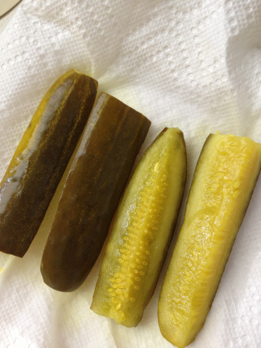 Place pickles and veggies on paper towels to drain.