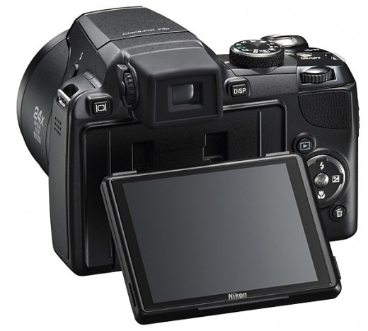 The Large Tilting LCD of the Coolpix P90