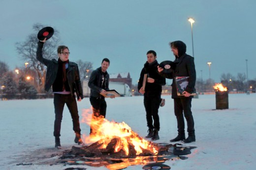 Fall Out Boy takes photos for their comeback