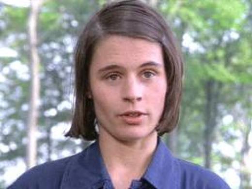 Suzanne Hamilton as Julia