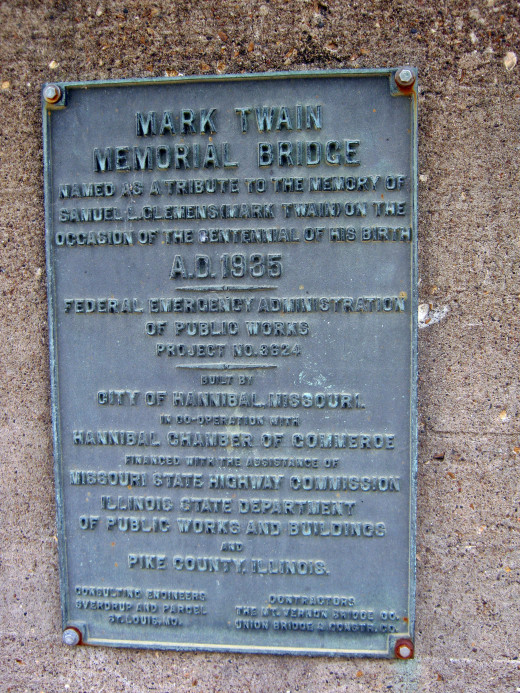 Description of the Mark Twain bridge