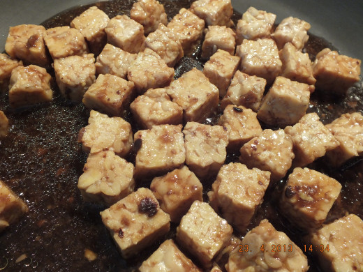 Take the tempeh out of pan and set aside. Use the same pan for the rest of the sauting.