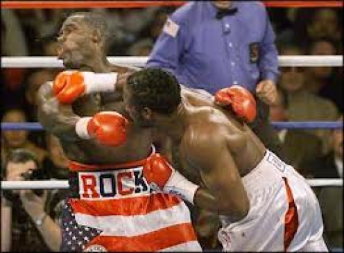 Lennox Lewis knocked out Hasim Rahman in four rounds to regain the heavyweight championship after losing it in his previous fight.