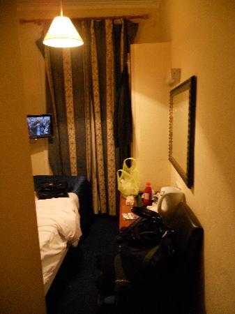 Single Room at Avonmore Hotel