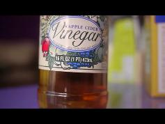 Natural way - Vinegar and baking soda