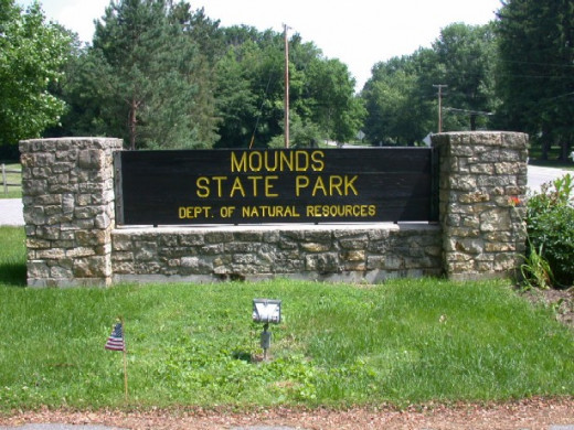 The entrance to Mounds State Park in Anderson, Indiana