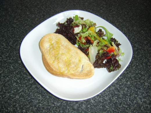 Bruschetta and mixed leaf salad