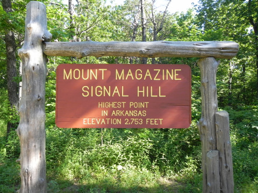 The sign at the top of Arkansas.