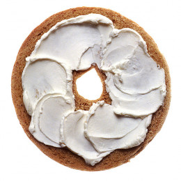 Here you have one of the most popular ways to serve cream cheese and that is cream cheese on a bagel.