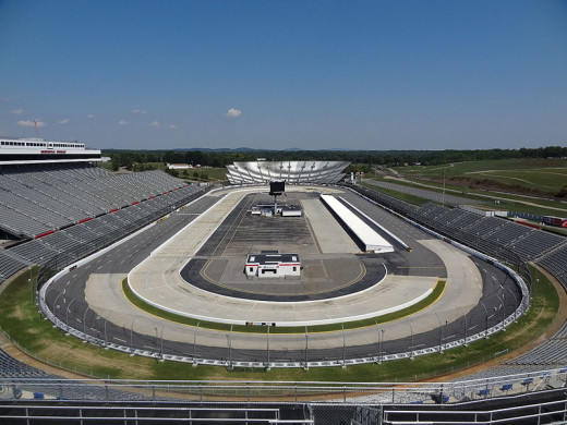 A bird's eye view of the paperclip-shaped Martinsville Speedway.
