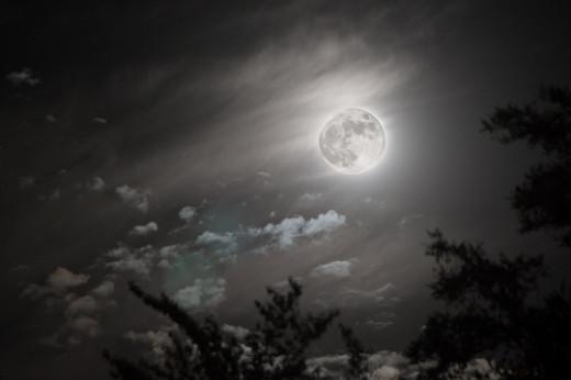 Albuquerque Moon from Jason Bache flickr.com