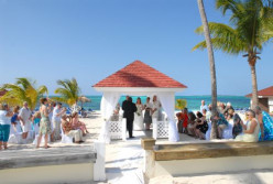A Woman's Guide To A Wedding In The Bahamas