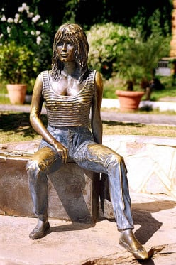 Brigitte Bardot mmortalised in bronze by Brazilian artist, Christina Motta