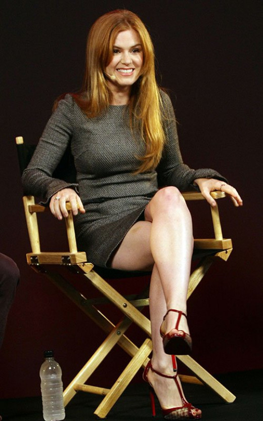 Lovely Isla Fisher at 'Catch Me If You Can' Q&A showing off her legs.