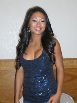 Gail Kim at an autograph signing in 2008.