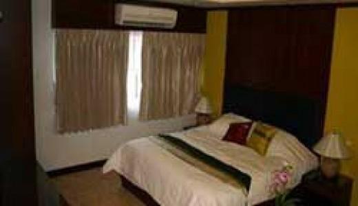 Deluxe Room in Oasis Inn