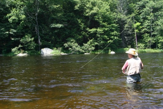Trout fishing on the farmington river in connecticut for Farmington river fishing