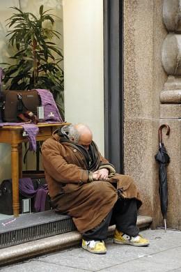 wealth and poverty from Evgeny Vitkov  flickr.com