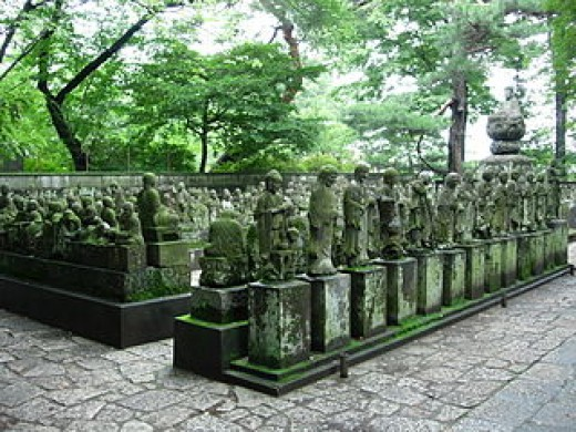 Statues of the Gohyaku Rakan (500 Disciples of Buddha)