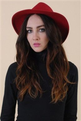 Mark off on Spanish Moss Vintage best way to finish a college look, the hat accessory.