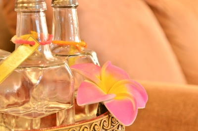 More Benefits of Orange Oil: Orange oil can be used as a refreshing perfume. Simply dab a small amount to your inner wrists and behind your ears for a clean citrus scent. It's alcohol-free and has much fewer additives than many commercial perfumes.