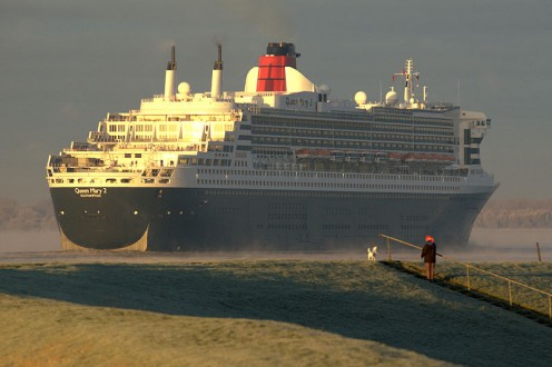 Queen Mary 2. Source: Torsten Bolten WMC.