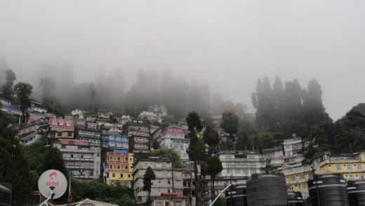 Darjeeling among the fleeting cloud