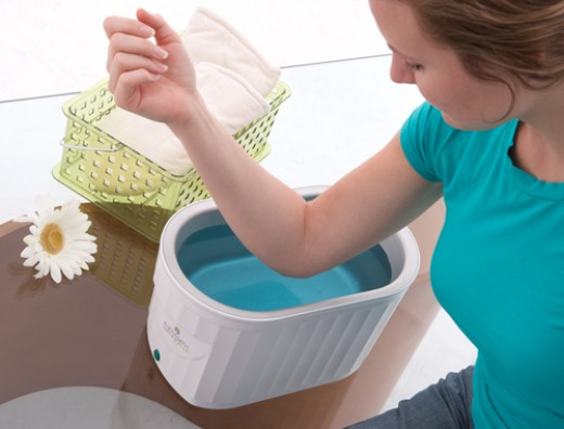 Hot wax bath for hands, wrists, elbows and feet