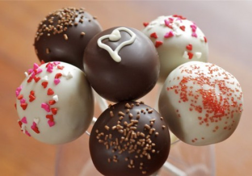 Have fun decorating your cake pops!