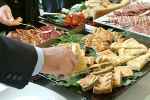 What is a Wedding Caterer?