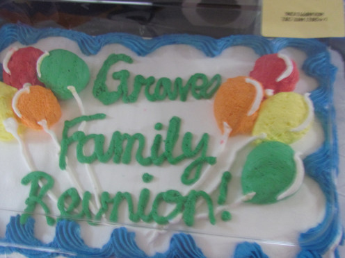 A beautifully decorated cake was available for dessert on this first event of our family reunion.