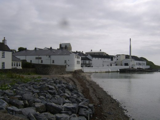Bowmore Distillery on Loch Indaal from pier