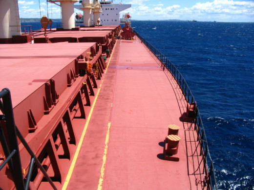 Stay away from the open deck to avoid exposure to dangerous gases during bunkering operation