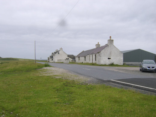 Cottages alon The Strand on Loch Indaal