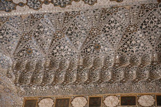Sheesh Mahal with mirrors in the ceiling