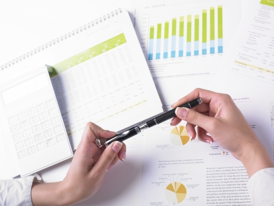Like investors, one should know the effectiveness of their topic by simply doing a preliminary research.