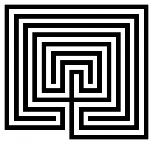 Cretan square labyrinth model