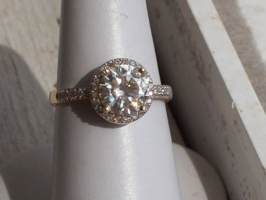 4CT Total Weight Moissanite & Natural Diamond Ring, The Center Stone Is A 3CT Moissanite, The Diamonds Are 1CT Total Weight