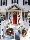 Home Décor Ideas - Evergreen Holiday Wreaths on Windows