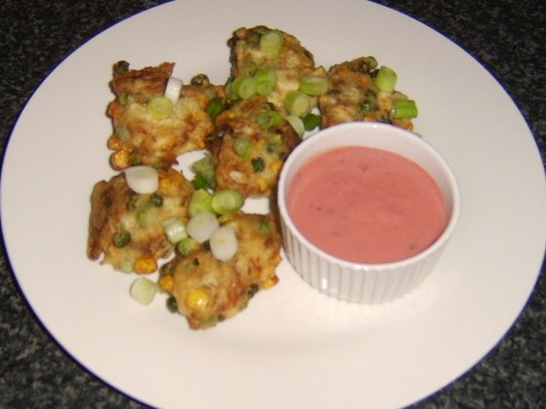Mackerel fish pakora is served with homemade pakora sauce